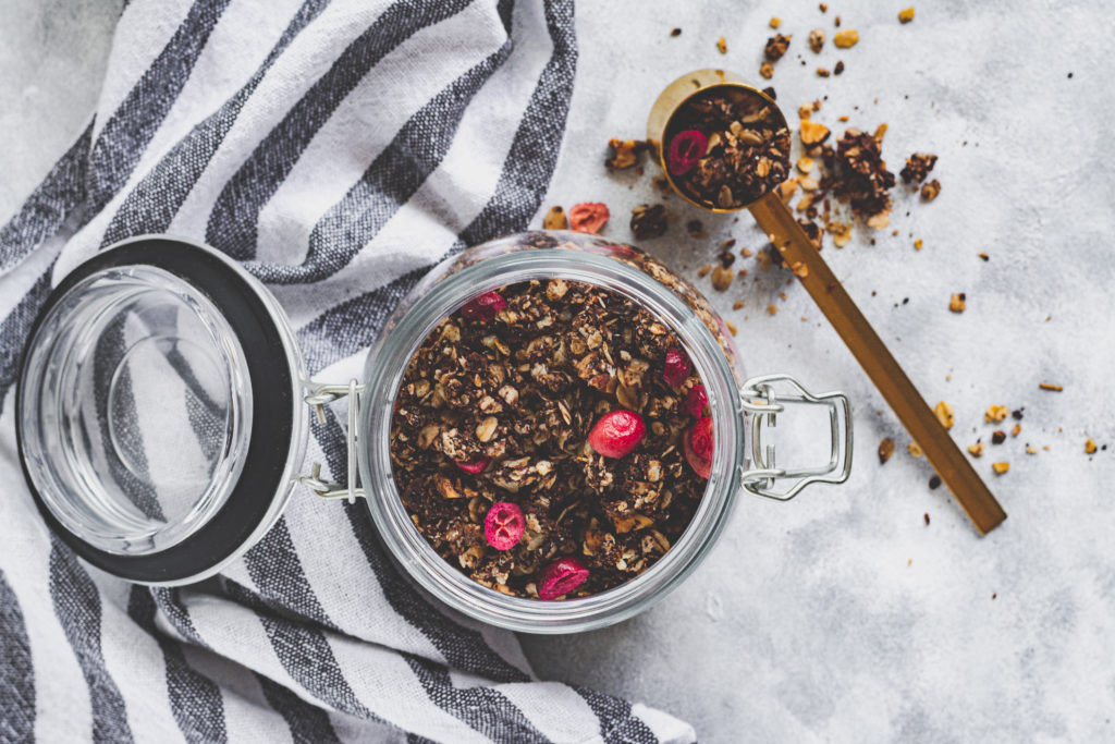 cukormentes csokis granola